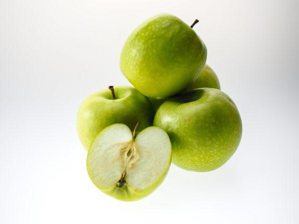 apple-943751