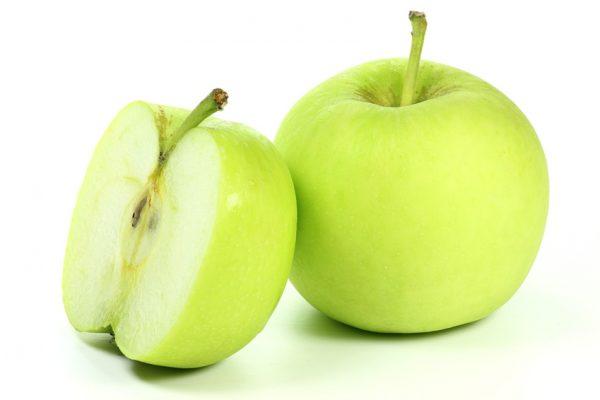 Äpfel der Sorte Delbar isoliert auf weißem Hintergrund